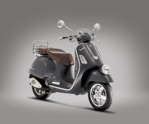modern vespa need gtv 250 advice please to chrome or not to chrome. Black Bedroom Furniture Sets. Home Design Ideas
